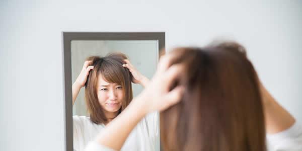 20代女性なのに髪の毛がスカスカ…。スカスカの原因と私の対策法